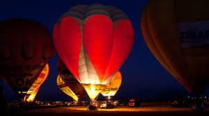 air balloon with heart